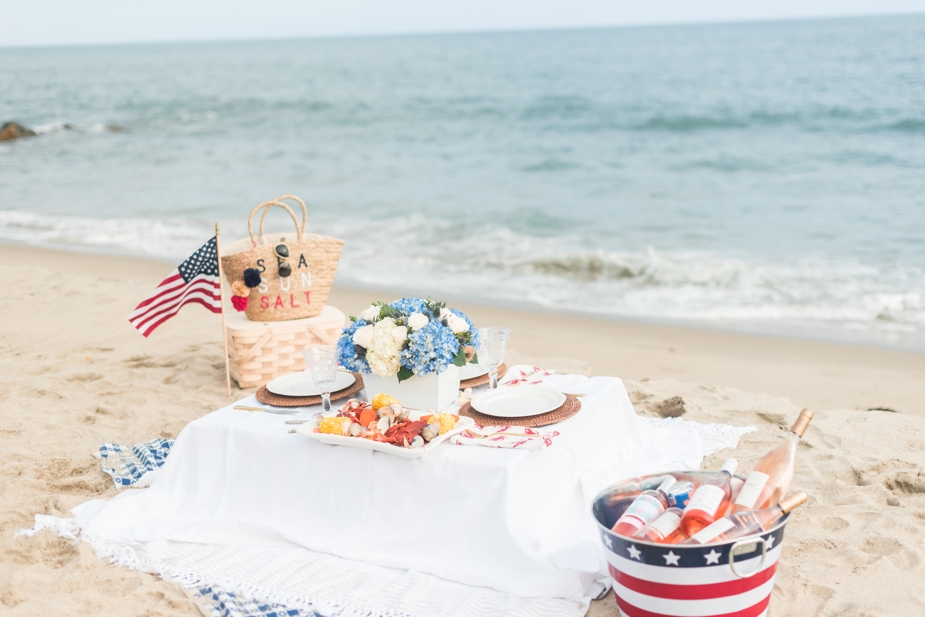 Fourth of July Outfit Inspiration and Decoration Ideas for the Hostess